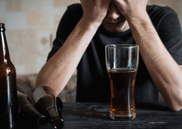 delirium alkoholowe objawy